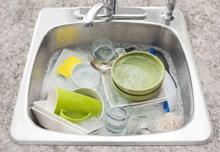 Как очистить белые тарелки