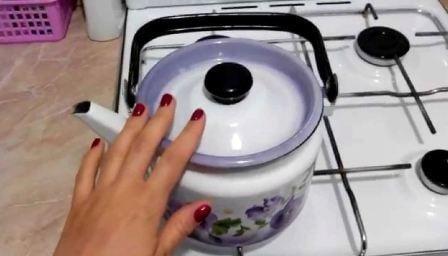 Эмалированный чайник: накипь