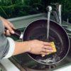 Как очистить антипригарную сковороду
