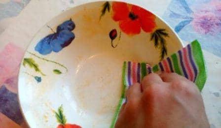 Как отмыть тарелки в домашних условиях от жира