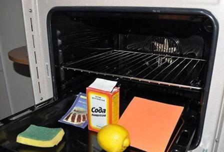 Как и чем отмыть газовую духовку