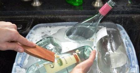 Как отмыть стеклянные бутылки от налета и грязи