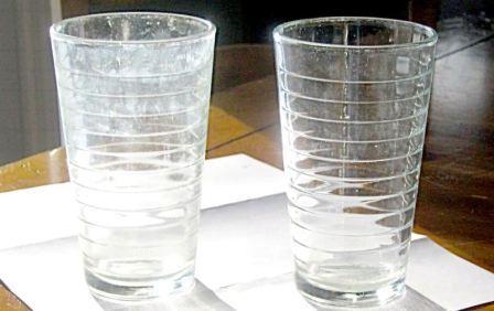 Чем начисто отмыть стеклянные стаканы